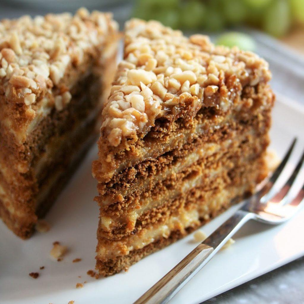 ciasto-miodowe-z-kremem-budyniowym-(Marlenka)