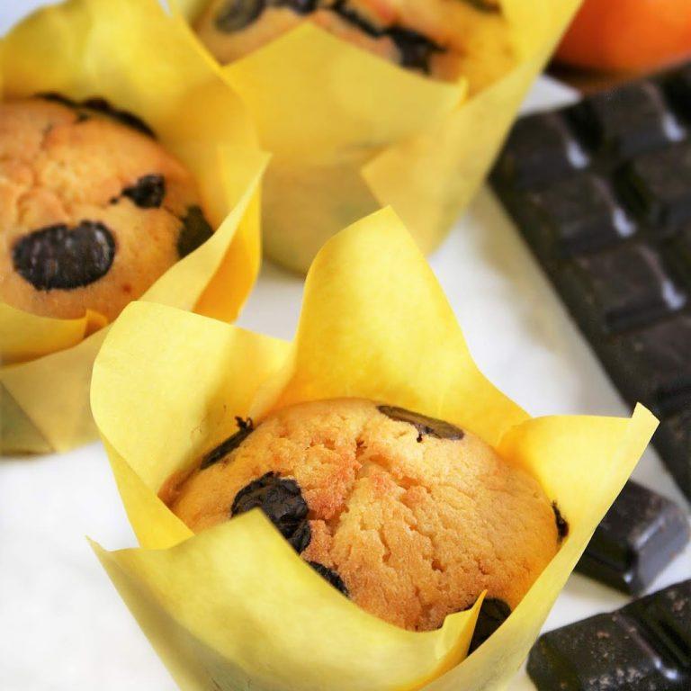 muffinki-pomaranczowe-z-czekolada