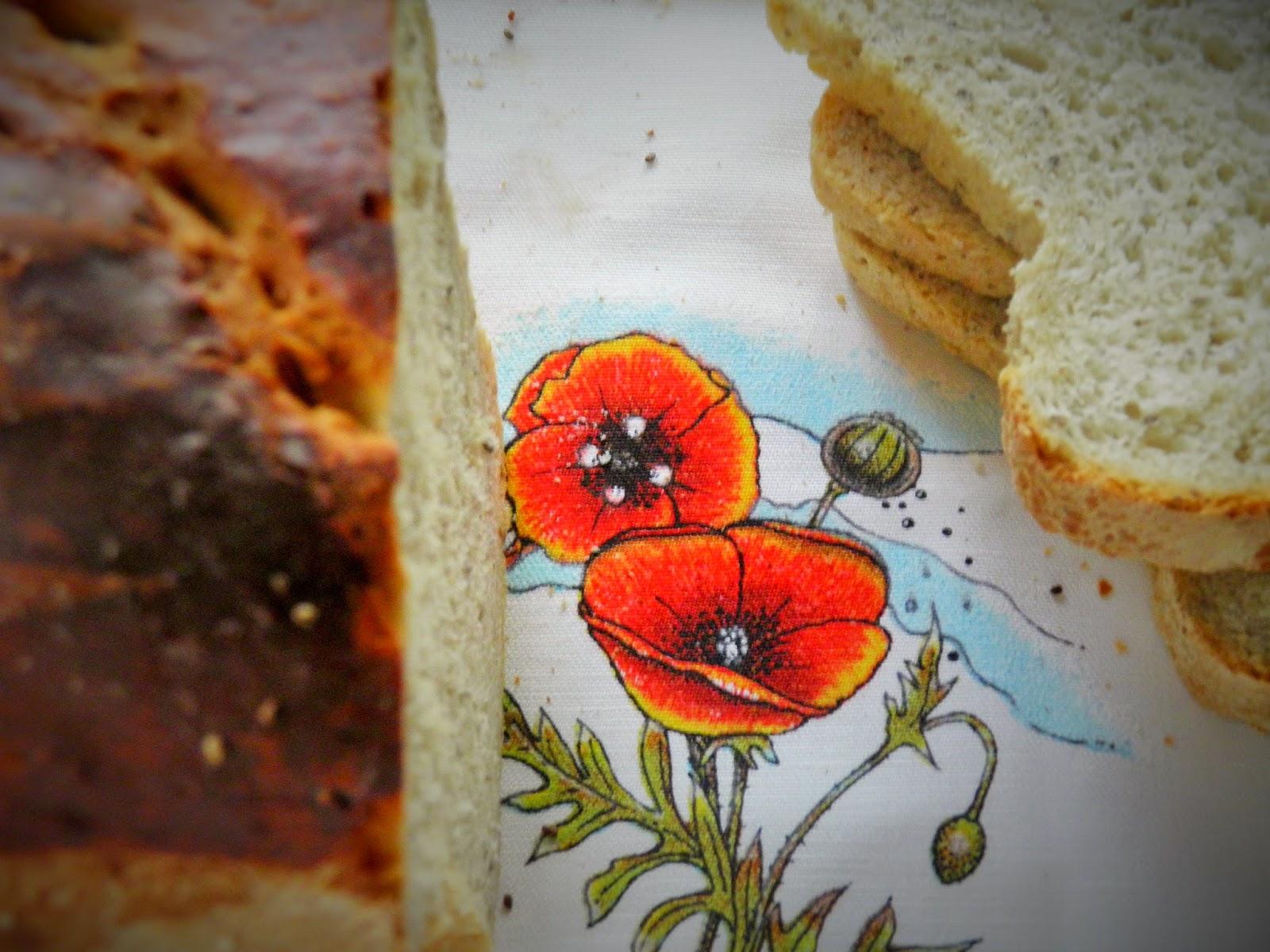 Chleb tostowy z nasionami chia