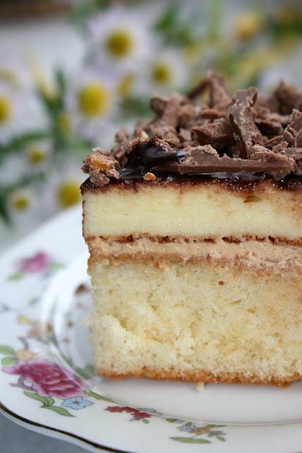 Ciasto biszkoptowe z serem i kremem tiramisu