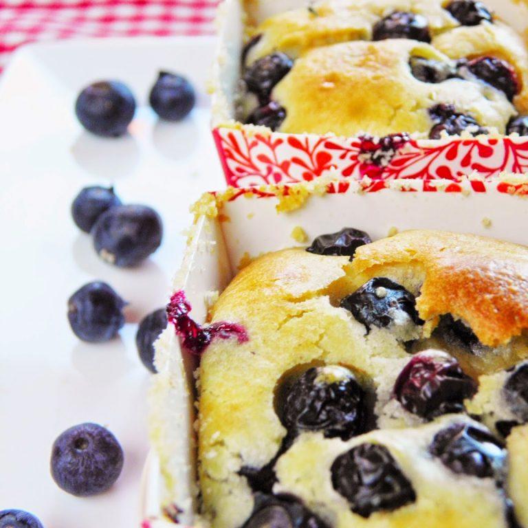 muffinki-z-borowkami-i-migdalami
