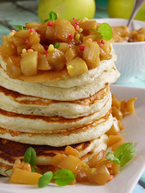 Pancakes z jabłkami toffi