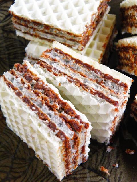 Pischingery - wafle z masą mleczno-kakaową